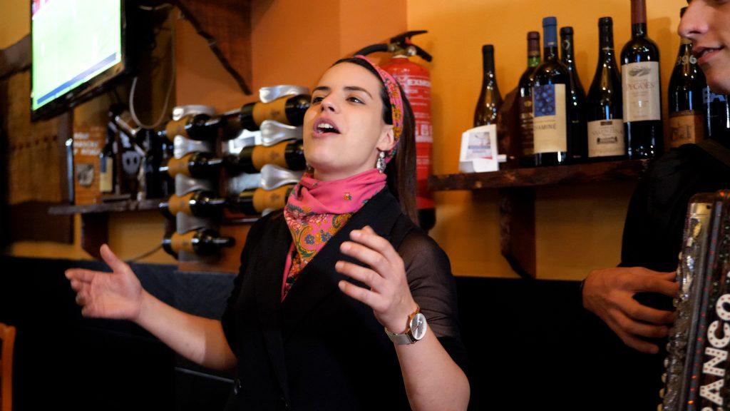 Liliana Oliveira Cantadeira ao desafio